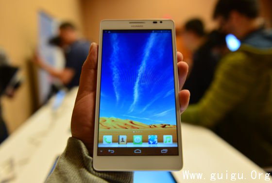 华为推布6寸屏手机Ascend Mate(查看高清实拍图集)-CES专题 重点