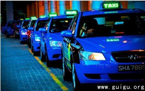 打车软件将撕破出租车牌照制度