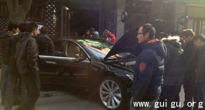 特斯拉中国价格曝光:裸车75万 买到手得超百万