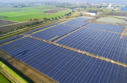 买下一个太阳能发电厂所有电能 为数据中心供电