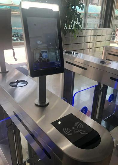 可以刷卡的设备,用户却被强制录入人脸信息