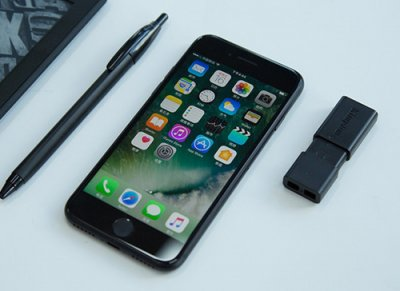 苹果手机销量大危机 库克翻盘大招是iPhone8?