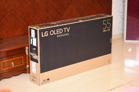 LG OLED B8开箱评测 感受极致画面带来的震撼体验
