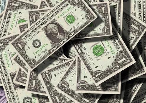 互联网新贵崛起,谁在管硅谷顶级富豪的钱?