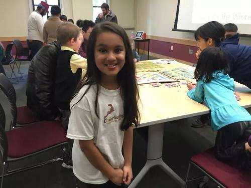 美国硅谷10岁天才女孩梅塔推出全球首款AI编程桌游