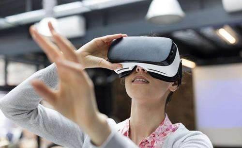 扎克伯格展望Facebook远景:AR和VR是主要领域