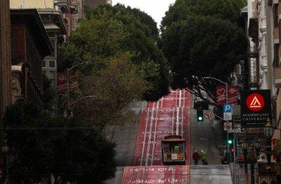 """美国硅谷旧金山湾区实施美国最严""""就地避难""""禁令"""