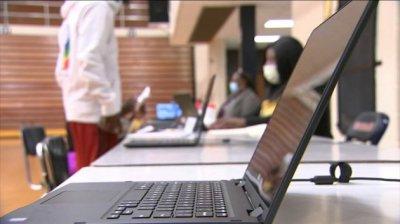美国各地学校正面临着2020年最关键的返校用品的短缺
