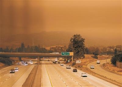 烟尘笼罩美国硅谷 美国加州硅谷地区被烟尘笼罩